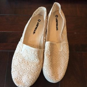 Cream Airwalk Crochet Slip Ons/Flats EUC